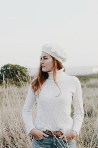 all-white-winter-outfit-vintage-thrifted-style-cosy-fuzzy-cashmere-sweater-beret-hat